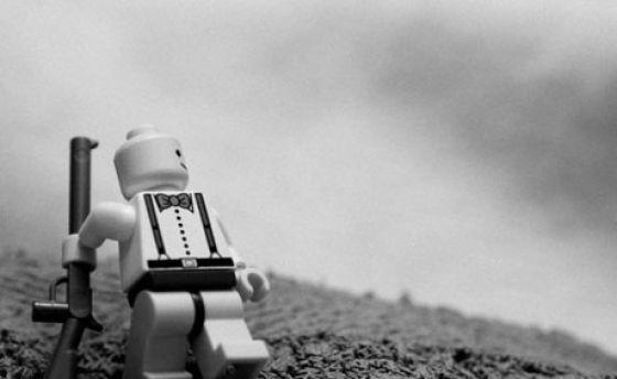 Fotografias que contam história transladadas ao Lego 21