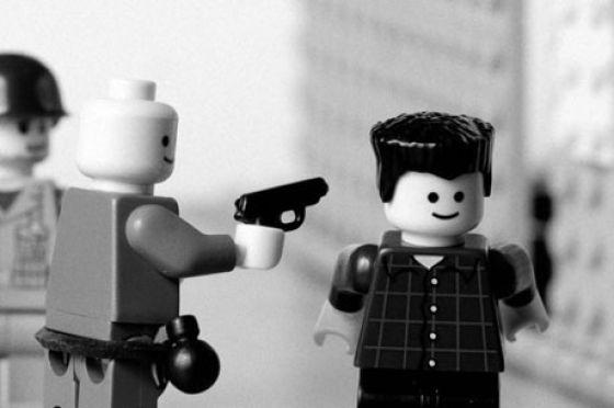 Fotografias que contam história transladadas ao Lego 27