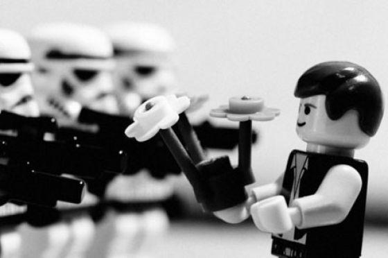Fotografias que contam história transladadas ao Lego 29