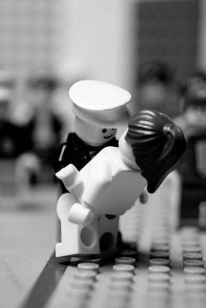 Fotografias que contam história transladadas ao Lego 31