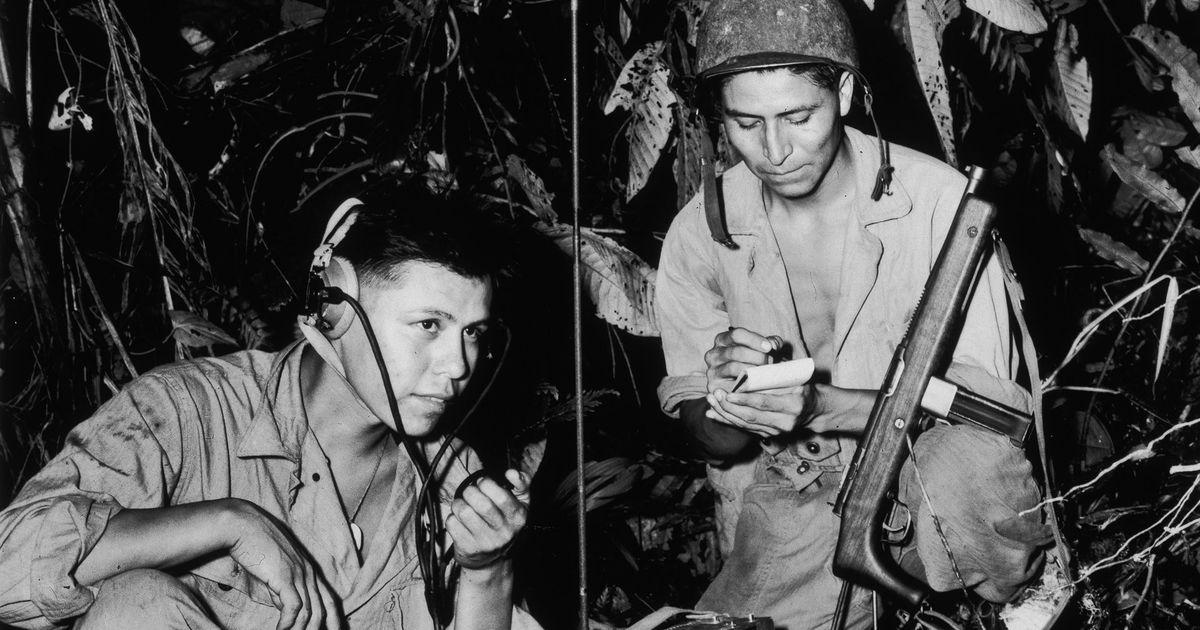Você sabia que durante a Segunda Guerra os navajos tiveram papel inestimável no envio de mensagens criptografadas? 01
