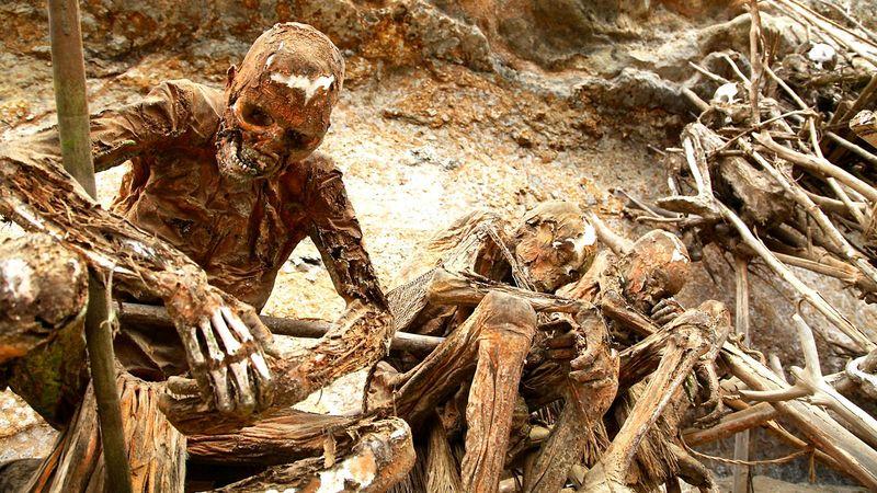 As múmias defumadas que vigiam Aseki, em Papua Nova Guiné 01