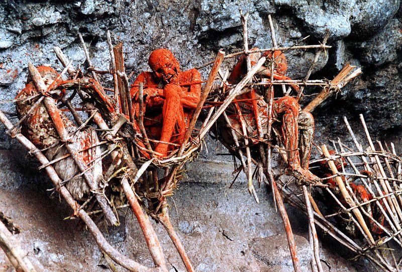As m�mias defumadas de Aseki, em Papua Nova Guin� 02