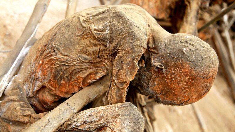 As m�mias defumadas de Aseki, em Papua Nova Guin� 03