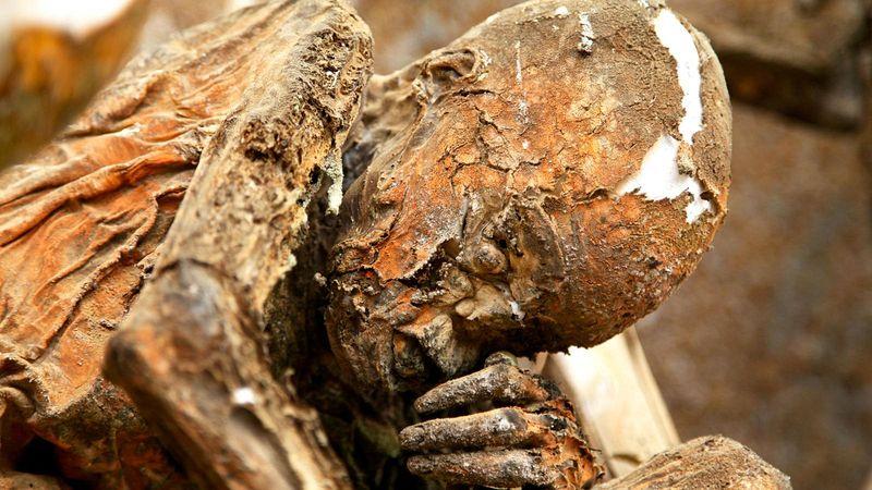 As múmias defumadas que vigiam Aseki, em Papua Nova Guiné 09