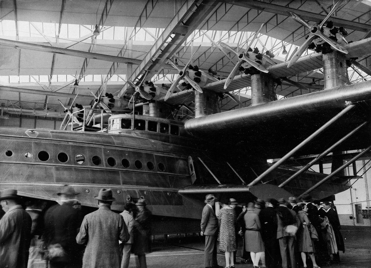 Este enorme barco voador luxuoso mal conseguia sair da água 04