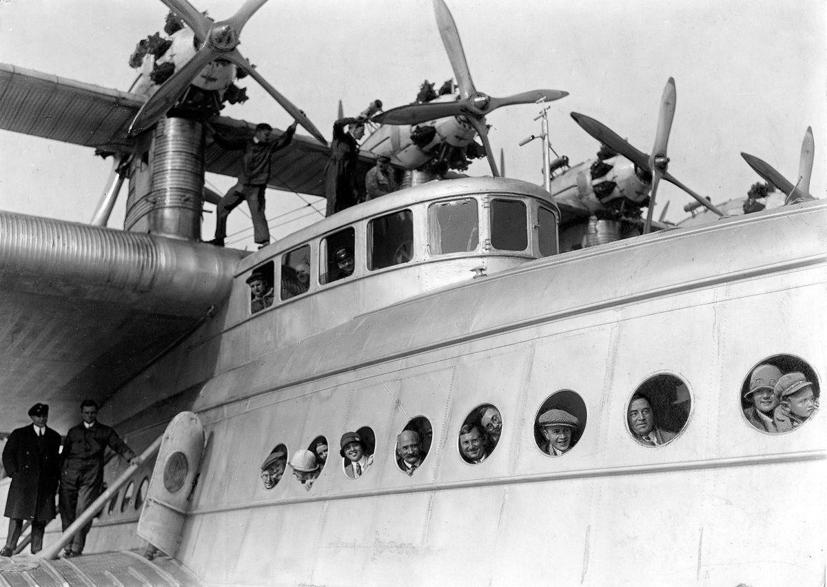 Este enorme barco voador luxuoso mal conseguia sair da água 09
