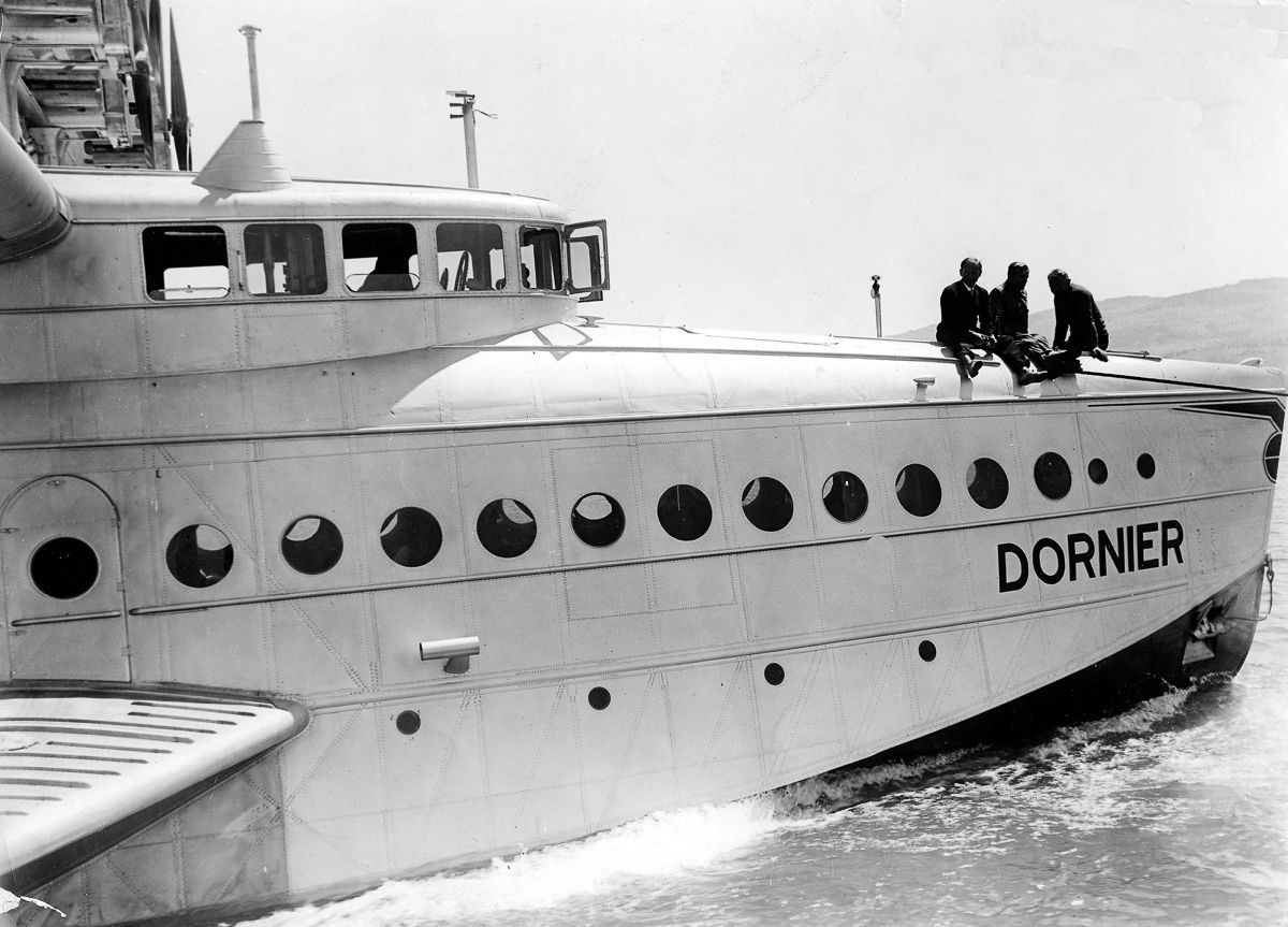 Este enorme barco voador luxuoso mal conseguia sair da água 11