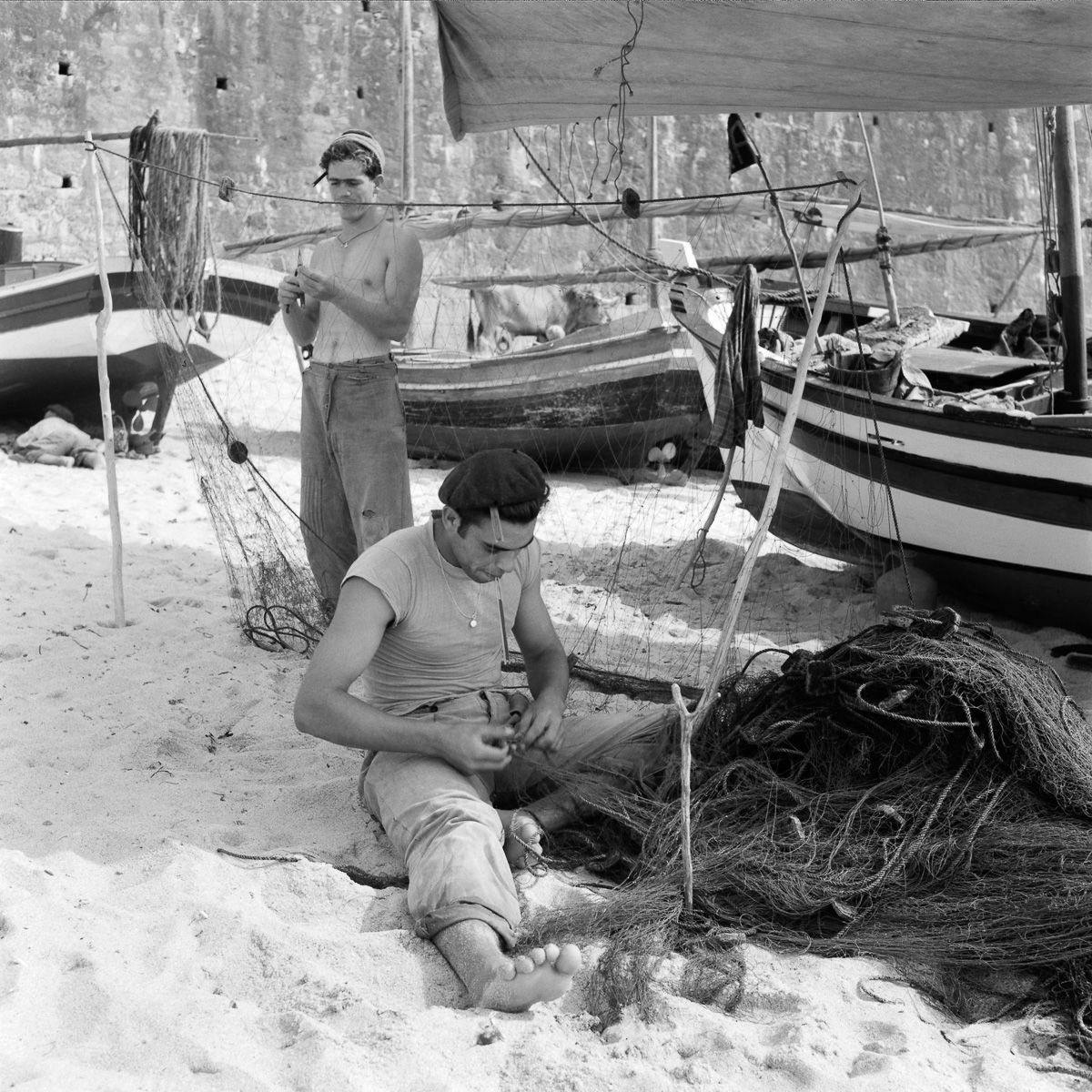 Fotografias deslumbrantes capturam a cultura da pesca dos anos 50 em Portugal 11
