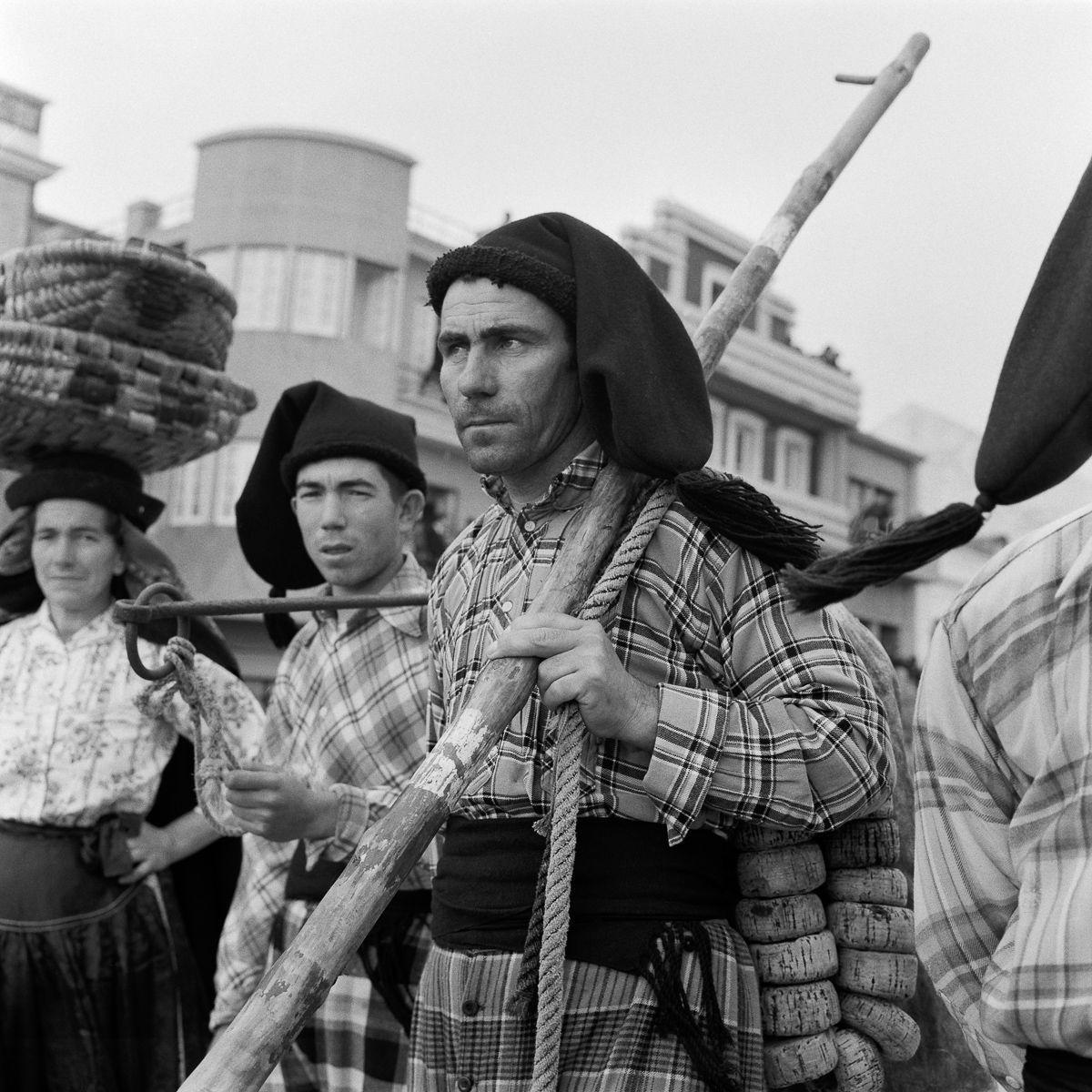 Fotografias deslumbrantes capturam a cultura da pesca dos anos 50 em Portugal 12