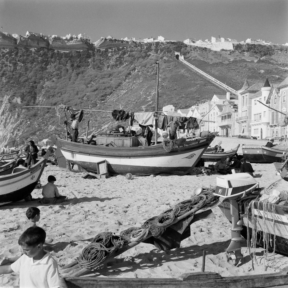 Fotografias deslumbrantes capturam a cultura da pesca dos anos 50 em Portugal 13