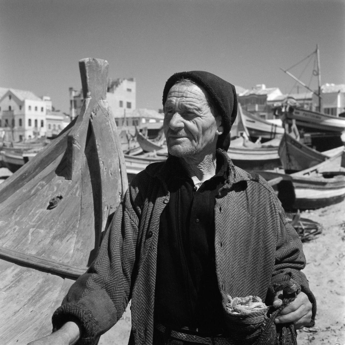Fotografias deslumbrantes capturam a cultura da pesca dos anos 50 em Portugal 16