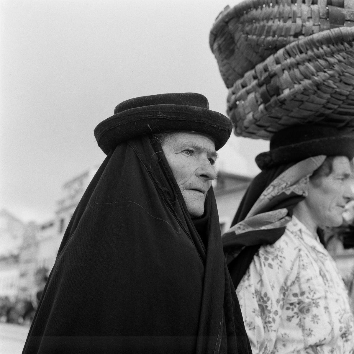 Fotografias deslumbrantes capturam a cultura da pesca dos anos 50 em Portugal 17
