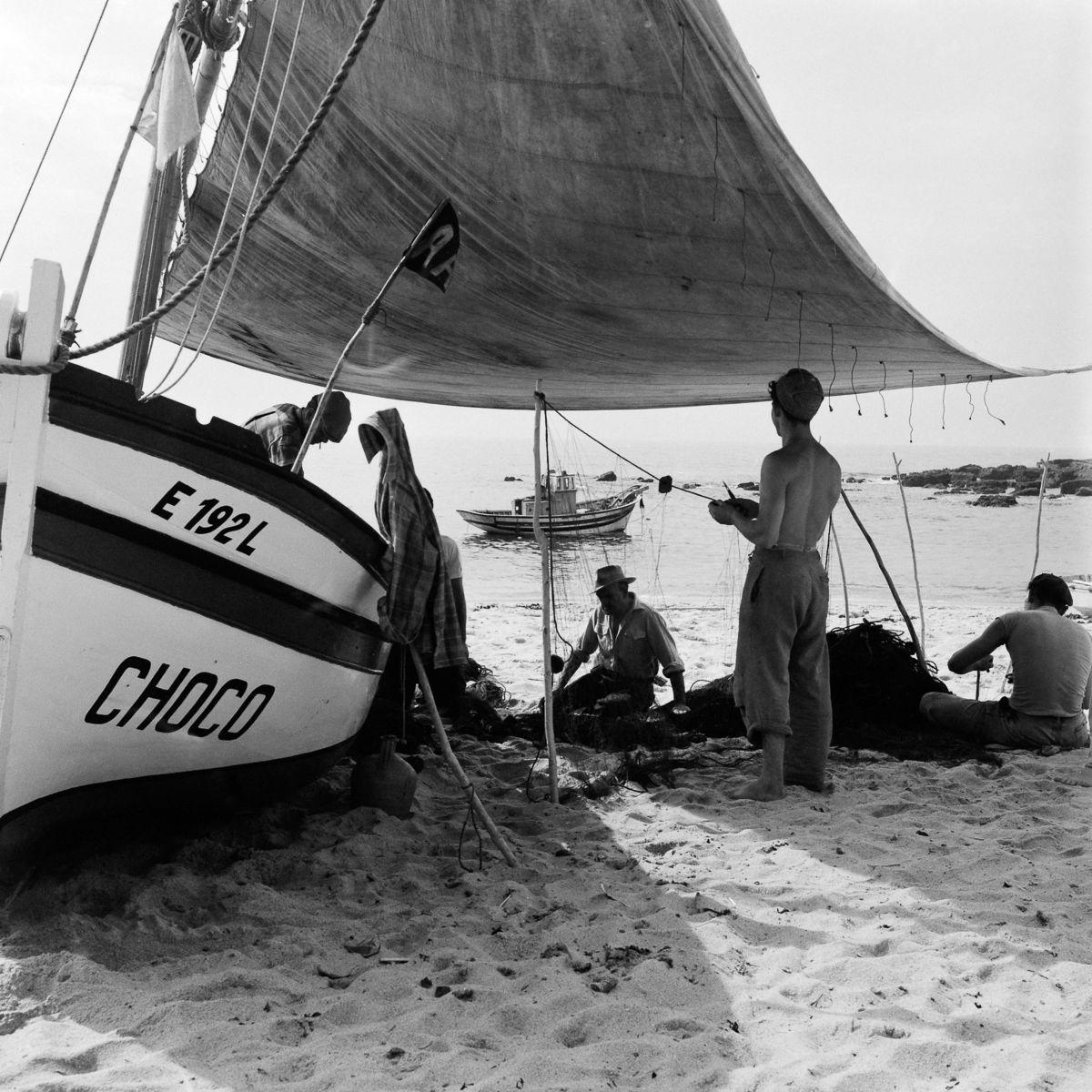 Fotografias deslumbrantes capturam a cultura da pesca dos anos 50 em Portugal 19