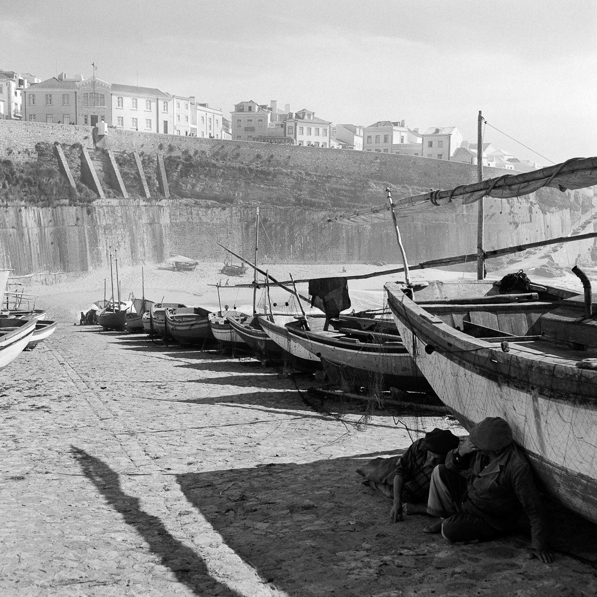 Fotografias deslumbrantes capturam a cultura da pesca dos anos 50 em Portugal 23