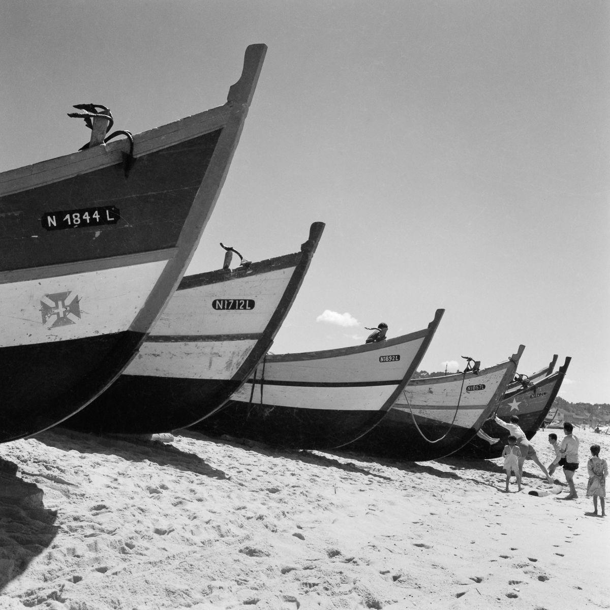 Fotografias deslumbrantes capturam a cultura da pesca dos anos 50 em Portugal 28
