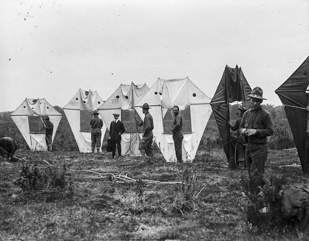 Na Primeira Guerra Mundial desenvolveram pipas de içamento para que homens pudessem fazer reconhecimento aéreo 03