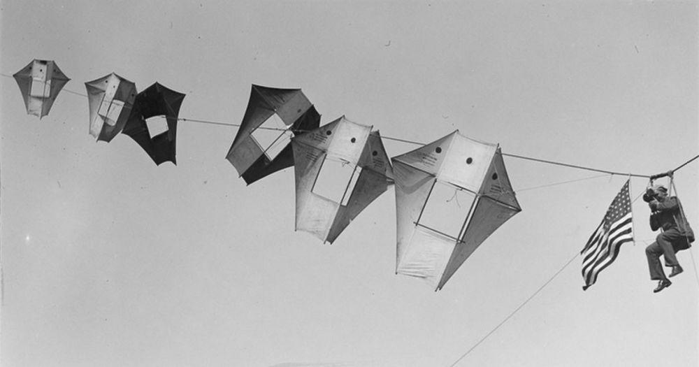 Na Primeira Guerra Mundial desenvolveram pipas de içamento para que homens pudessem fazer reconhecimento aéreo 08