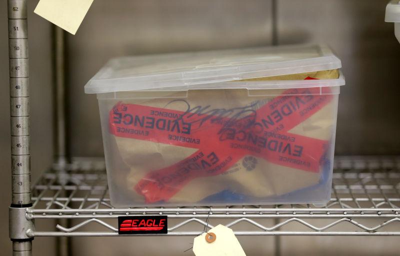 O caso da mulher que foi assassinada por alguém cujo DNA demonstrava que tinha morrdiso semanas antes dela