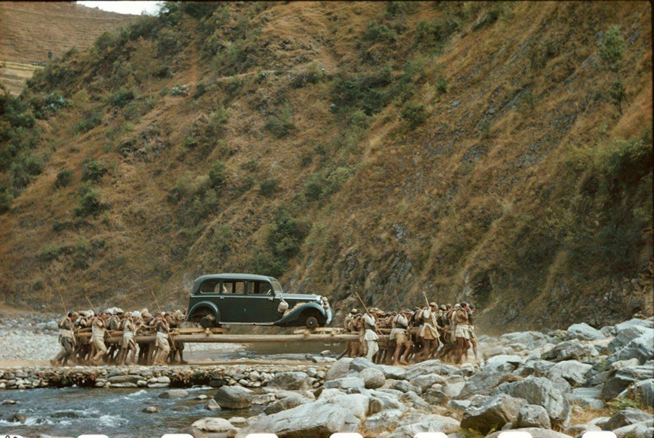 O primeiro carro que chegou ao Nepal foi um presente de Hitler