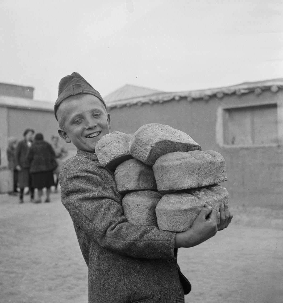 Na Segunda Guerra Mundial, refugiados poloneses encontraram seguran�a no Ir� 03