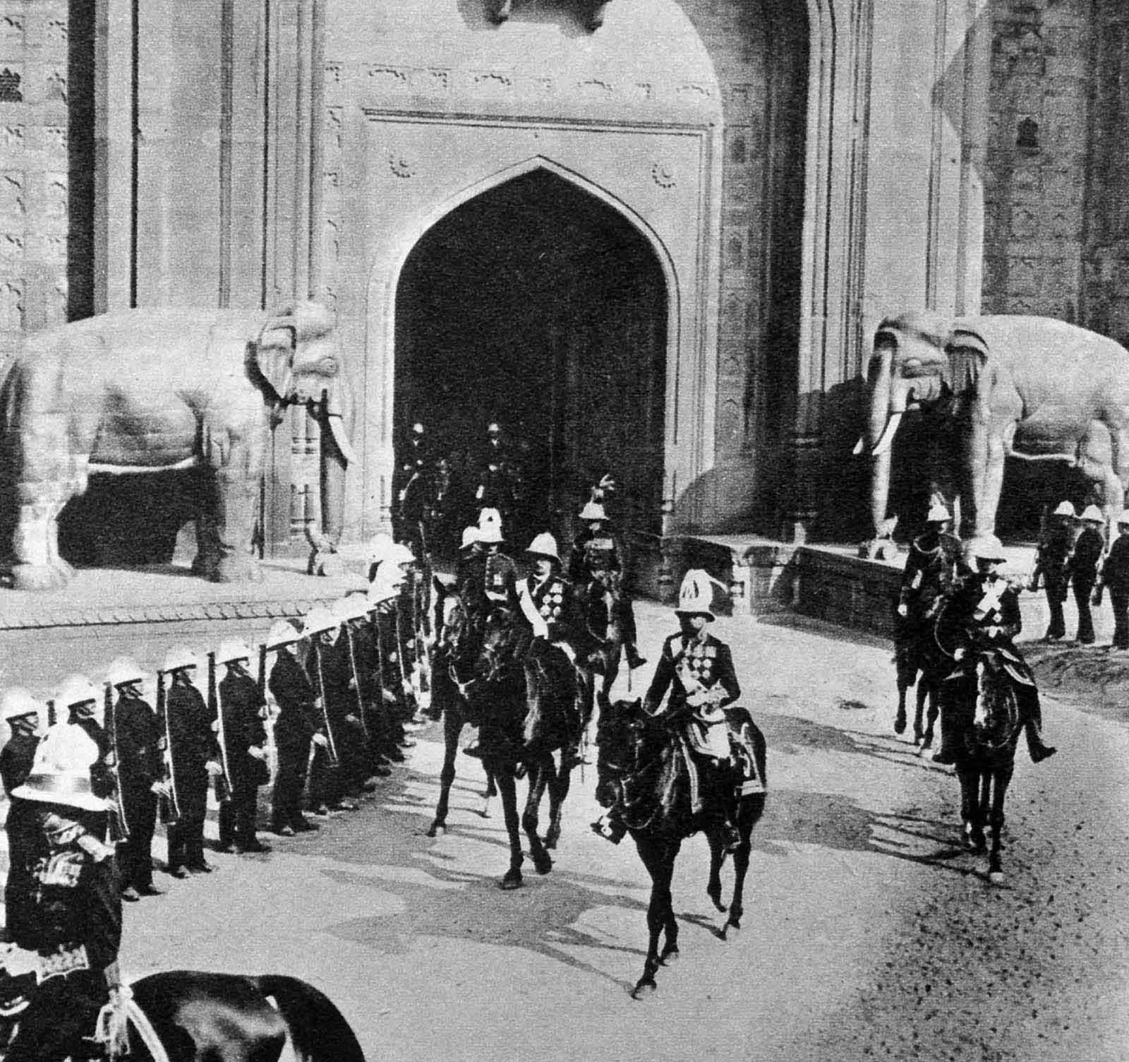 Em 1911 a realeza britânica foi à Índia para ser coroada e aproveitou para caçar 02