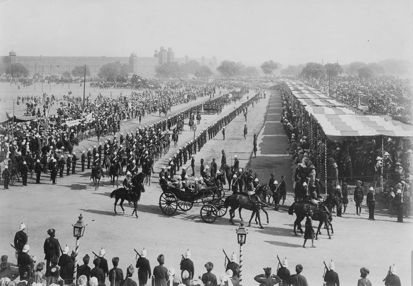 Em 1911 a realeza britânica foi à Índia para ser coroada e aproveitou para caçar 04