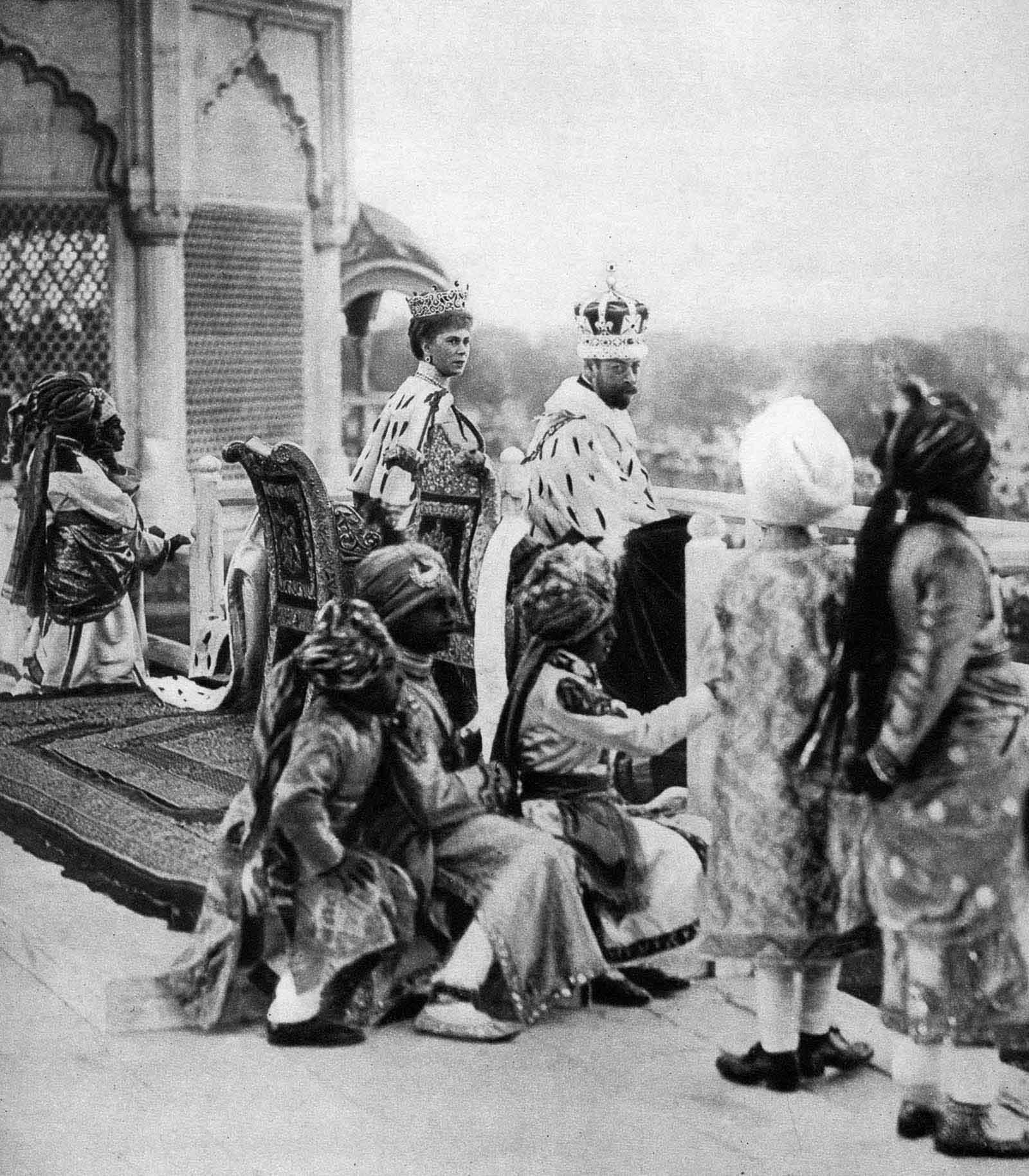 Em 1911 a realeza britânica foi à Índia para ser coroada e aproveitou para caçar 07