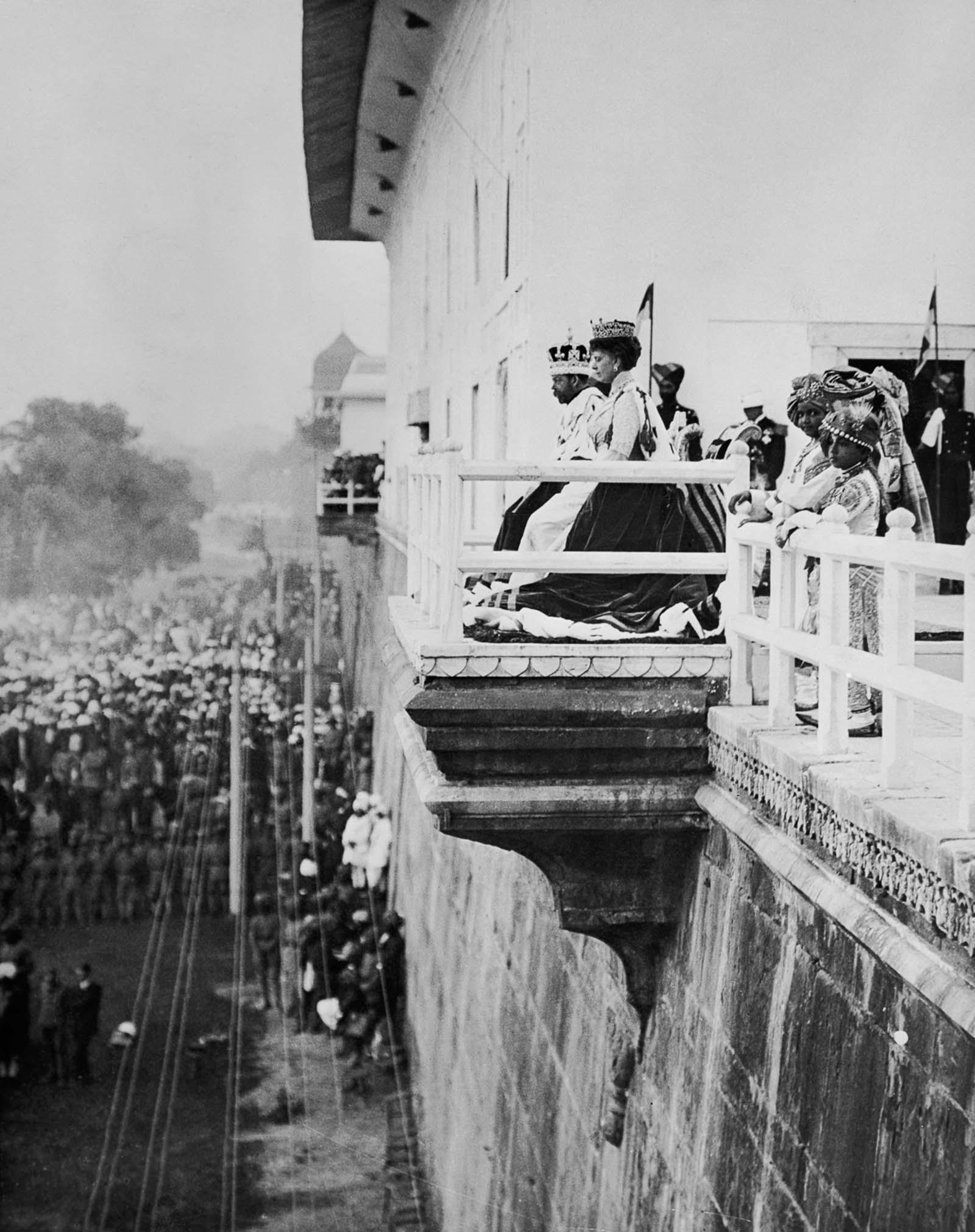 Em 1911 a realeza britânica foi à Índia para ser coroada e aproveitou para caçar 08
