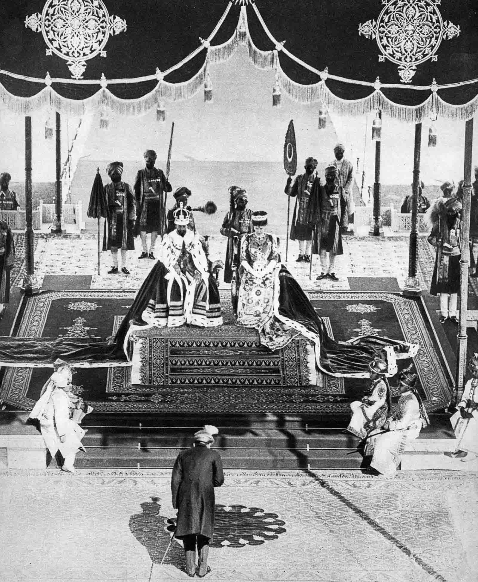 Em 1911 a realeza britânica foi à Índia para ser coroada e aproveitou para caçar 09