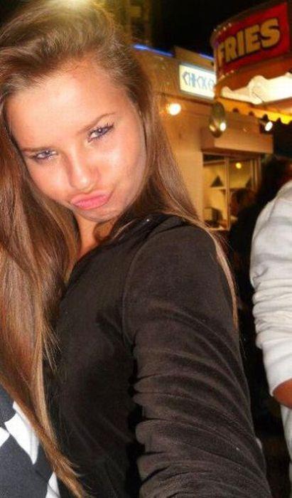 Angelina, você continua fazendo mal ao mundo sua linda 53