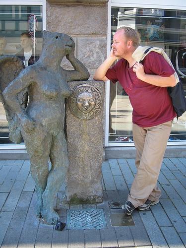 Diversão com estátuas 22