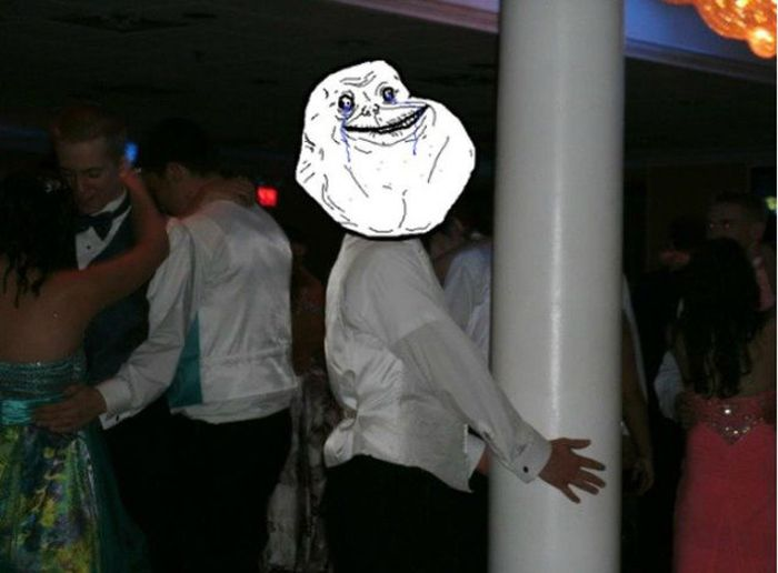 Forever Alone do mundo real 17
