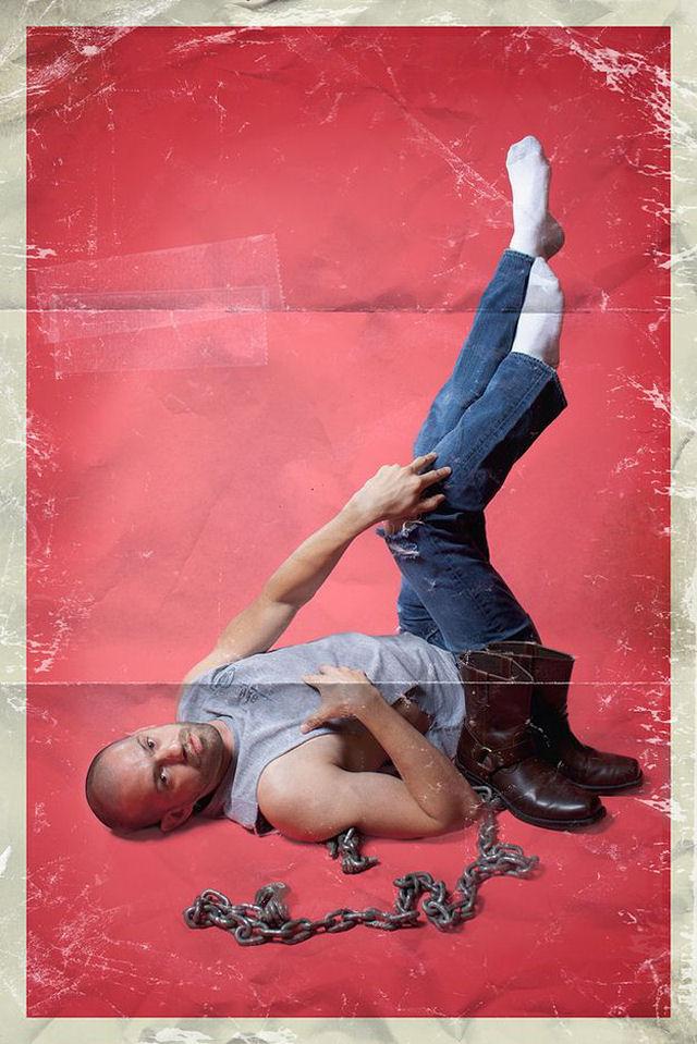 Homens fazendo as clássicas poses de pin-ups 06