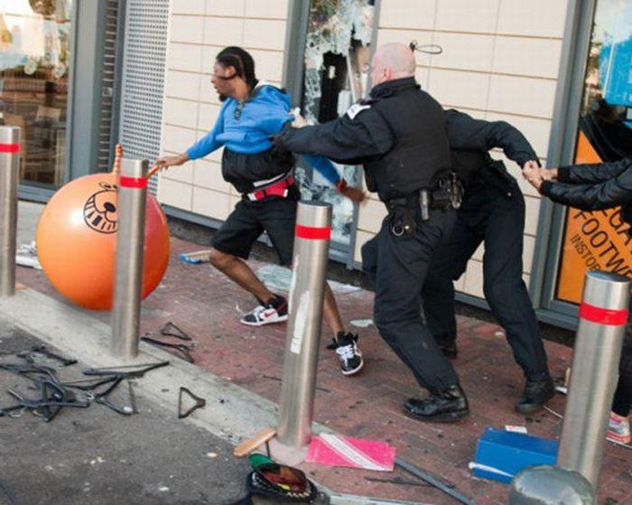 Imagens fotochopadas dos saqueadores de Londres 07