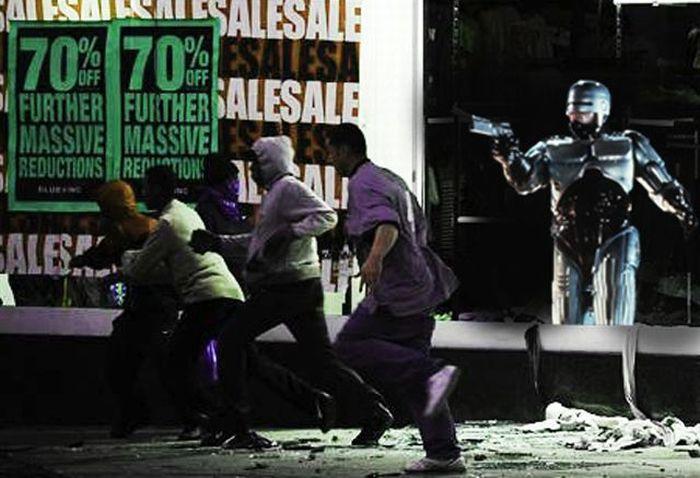 Imagens fotochopadas dos saqueadores de Londres 22