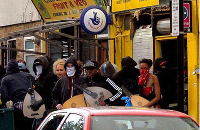 Imagens fotochopadas dos saqueadores de Londres 43