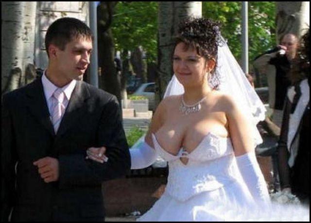 Os piores vestidos de noiva que você já viu na sua vida 26