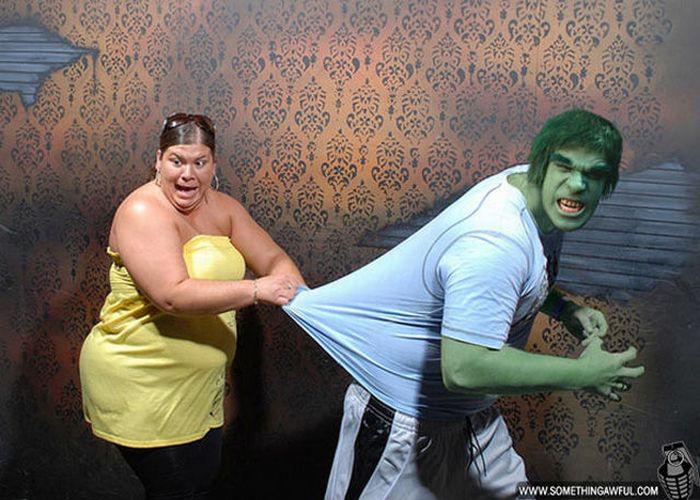 Visitantes da casa assombrada foram fotochopados 08