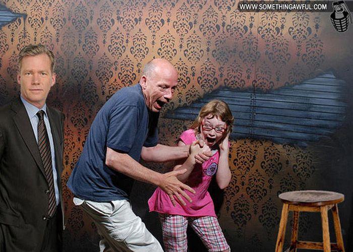 Visitantes da casa assombrada foram fotochopados 38