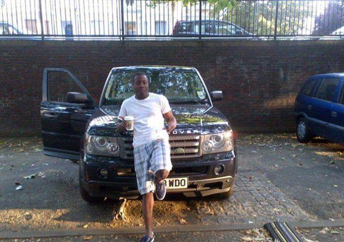 Gangue de ladr�es brit�nicos � capturada depois de ostentar produto dos roubos no Facebook 11