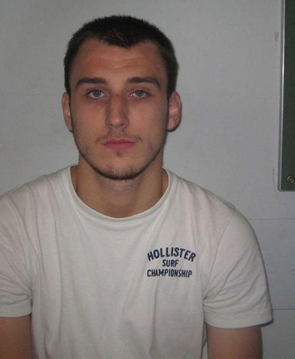 Gangue de ladr�es brit�nicos � capturada depois de ostentar produto dos roubos no Facebook 18