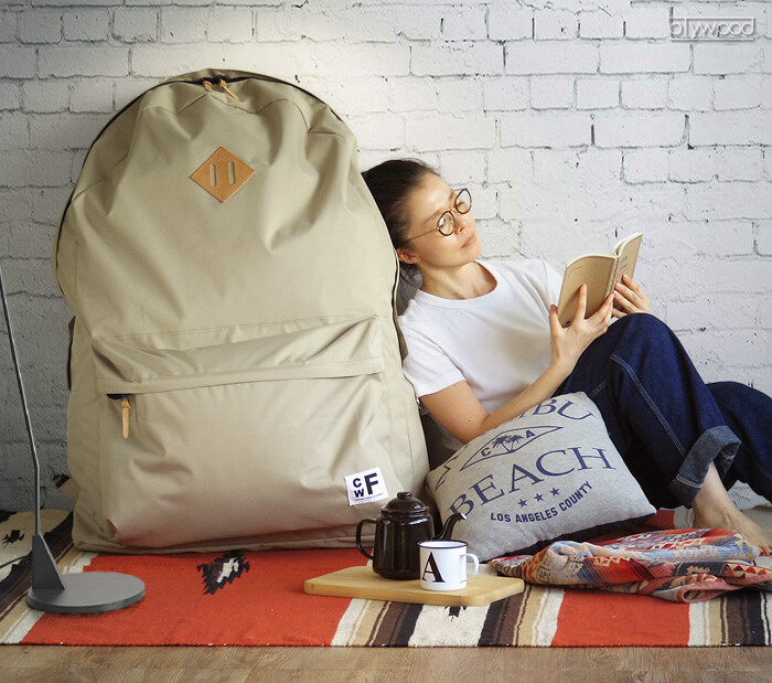 Empresa japonesa cria mochilas enormes que podem inclusive levar uma pessoa dentro