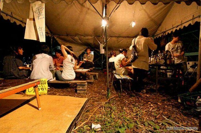 Dormitório estudantil japonês em ruínas 09