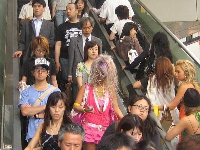 A extravagância da espalhafatosa juventude japonesa 48