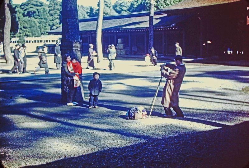 A vida no Japão no pós-Segunda Guerra Mundial através de imagens coloridas fascinantes 29