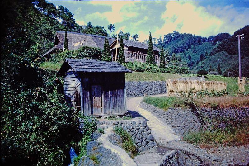 A vida no Japão no pós-Segunda Guerra Mundial através de imagens coloridas fascinantes 31