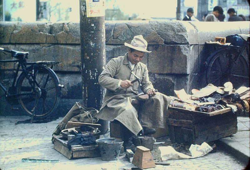 A vida no Japão no pós-Segunda Guerra Mundial através de imagens coloridas fascinantes 40