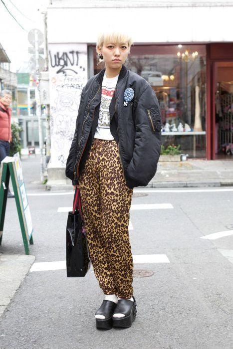 Japonês estranho com roupa esquisita 2 16
