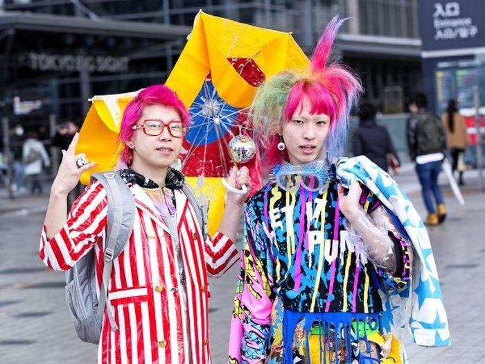 Japonês estranho com roupa esquisita 2 60